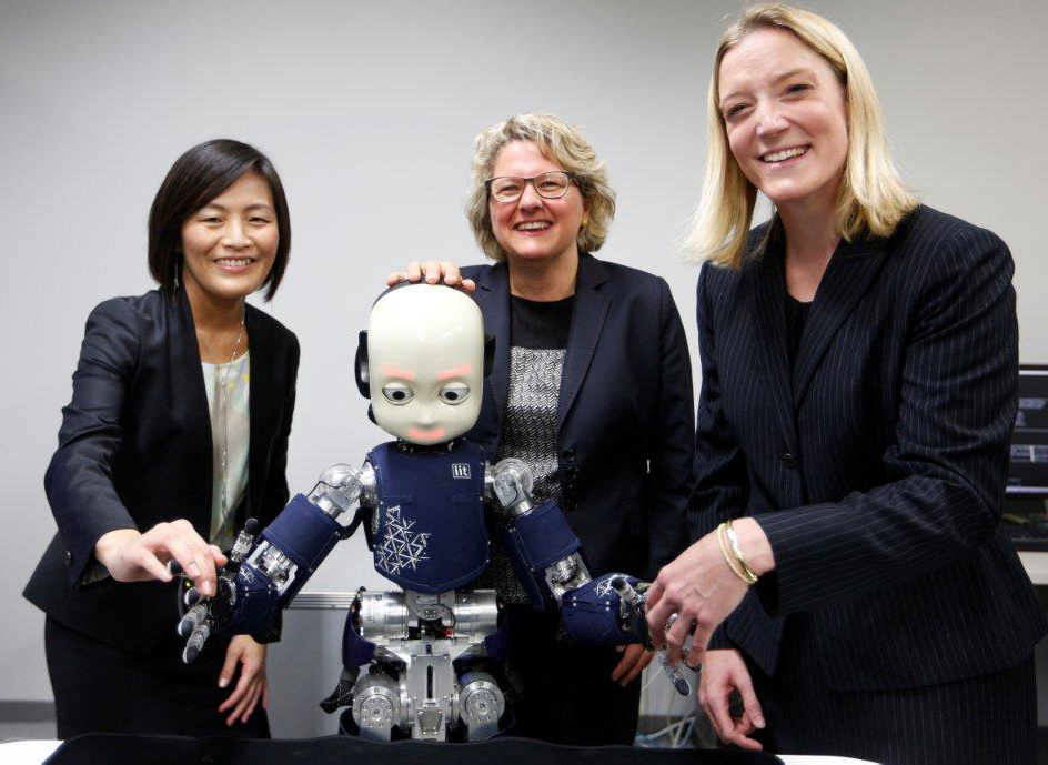 Friendly Robots Visiting Cooperation Partners In Japan Citec
