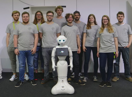 A promising performance at the German RoboCup championship: The Bielefeld team is now preparing for the world championship in June.