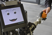 The service robot Tobi assists in household tasks. It is capable of face recognition and can memorise its workplace as a virtual map. In 2015 Tobi came third in the RoboCup World Championship in China. Photo: CITEC/Bielefeld University