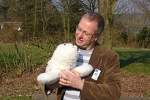 Prof. Dr. Ipke Wachsmuth with Paro, the robot seal, photo: personal