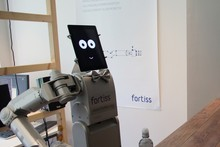 Service robots as bartenders: researchers are investigating what a robot has to understand of human communication in order to serve customers at the bar.